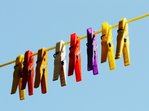 clothespins-9273_1920