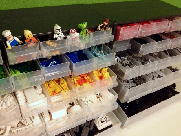 Täydellien ratkaisu legojen järjestämiseksi?